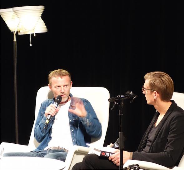 Jarkko Nieminen haastetteli Jo Nesbøtä 4.11.2014
