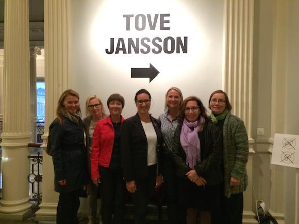 Kirsin Book Club kävi joukolla tutustumassa Tuula Karjalaisen kokoamaan, upeaan Tove 100 -näyttelyyn Ateneumissa.