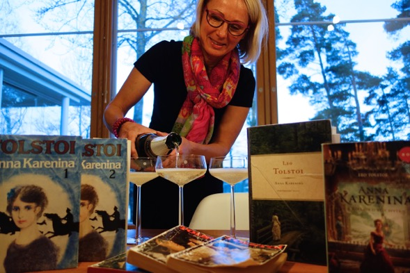 Kirsin Book Club kokoontui maaliskuussa 2015 Piian kotona.