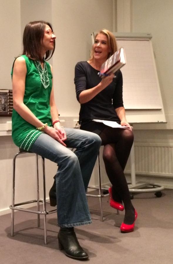 Riina Katajavuori oli kertomassa Wenla Männistöstä Ella Kannisen haastattelussa Helsingin Kirjamessuilla 2014.