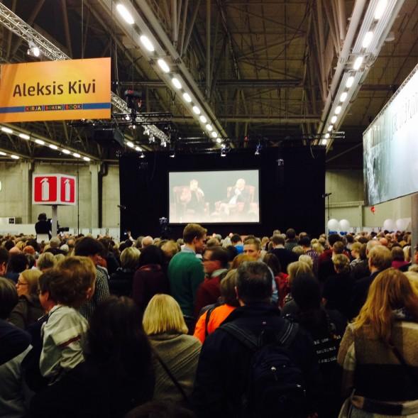 Entisten kansanedustajakollegojen Sauli Niinistön ja Jörn Donnerin keskustelu veti yleisöä