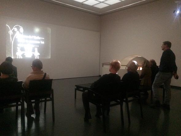 Näyttelyyn tutustuivat meidän kanssamme yhtä aikaa myös presidentti Tarja Halonen ja Pentti Arajärvi.