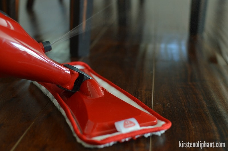 Get your hardwood floors (and laminate floors!) clean with the O-Cedar spary mop. #CleanForTheHolidays #ad