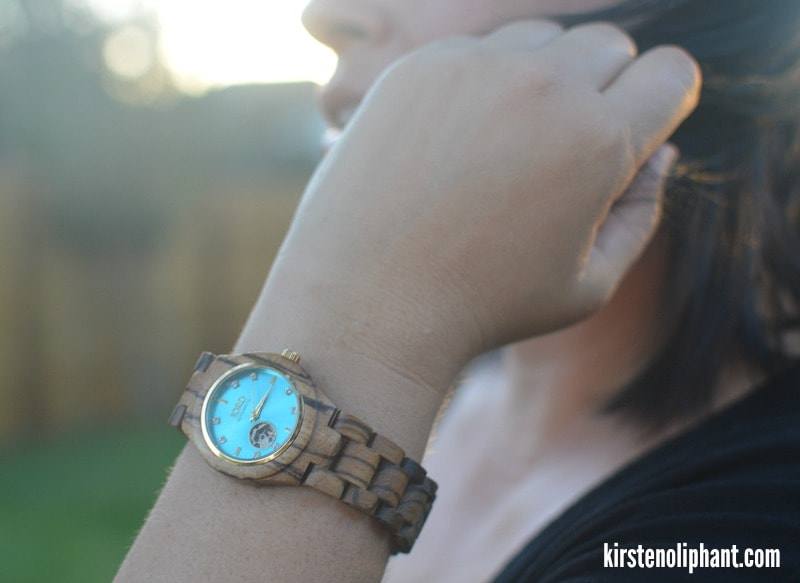 cord-wood-watches-for-moms