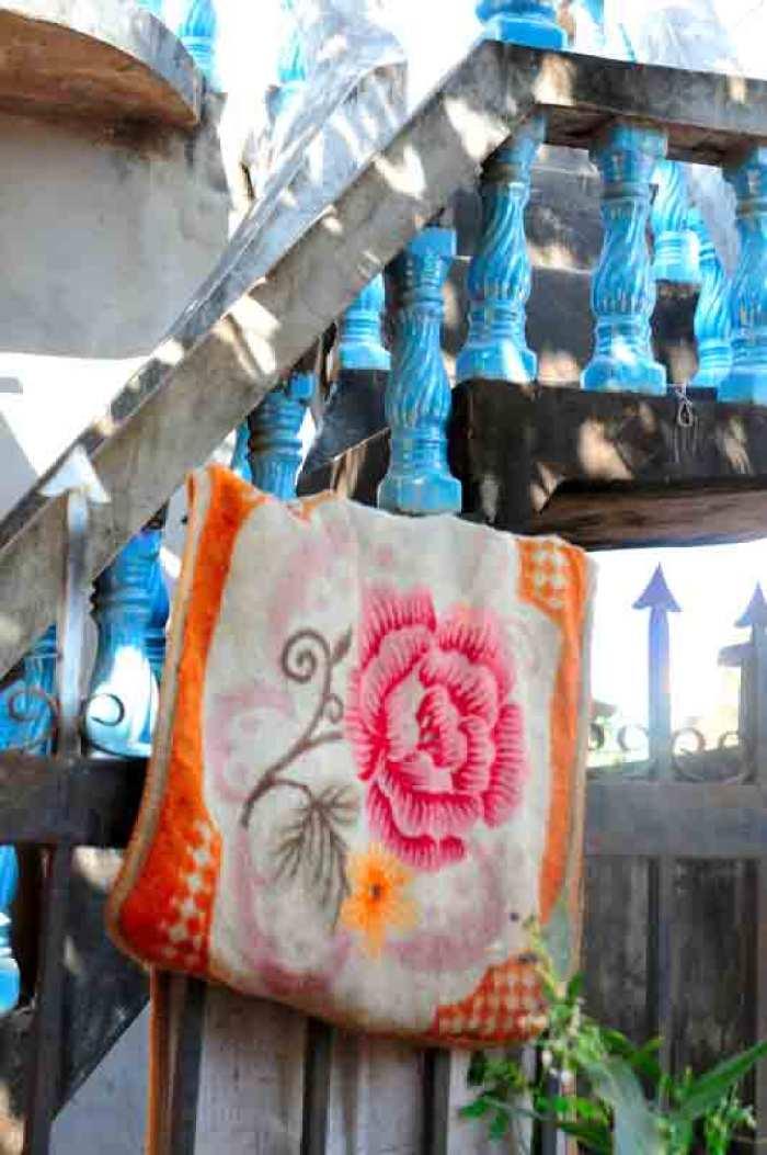 Laos.tæppe-og-søjler-