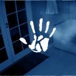 Sokkoló éjszakai videó: szellemalakok lebegtek át a lakáson
