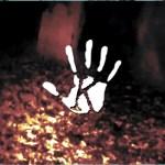 Majdnem a kamerának repül egy szellem a 800 éves temetőben