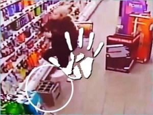 A szupermarket szelleme bosszút állt a flörtölő dolgozón