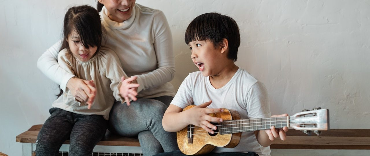 How To Worship God Through Songs