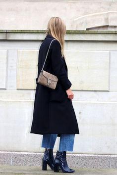 long_coat_frayed_jeans_2