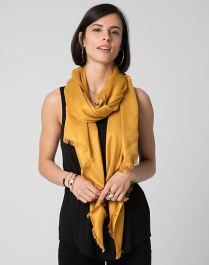http://www.lechateau.com/style/browse/productDetail.jsp?productId=346763&selectedColor=Mustard