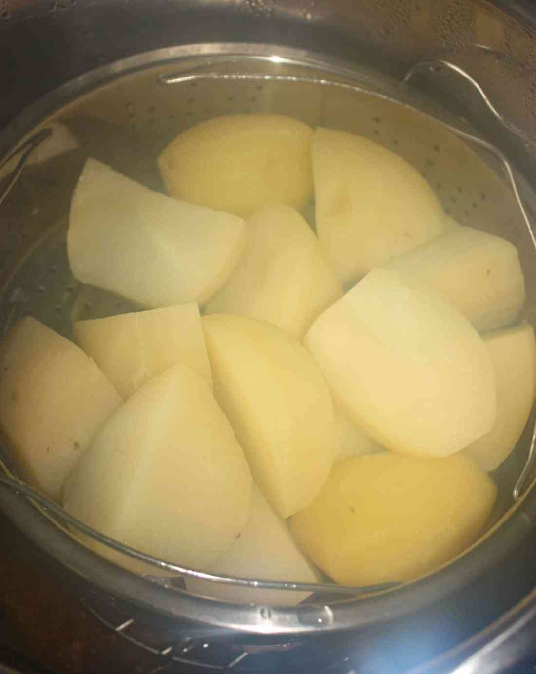 The cooked potatoes.