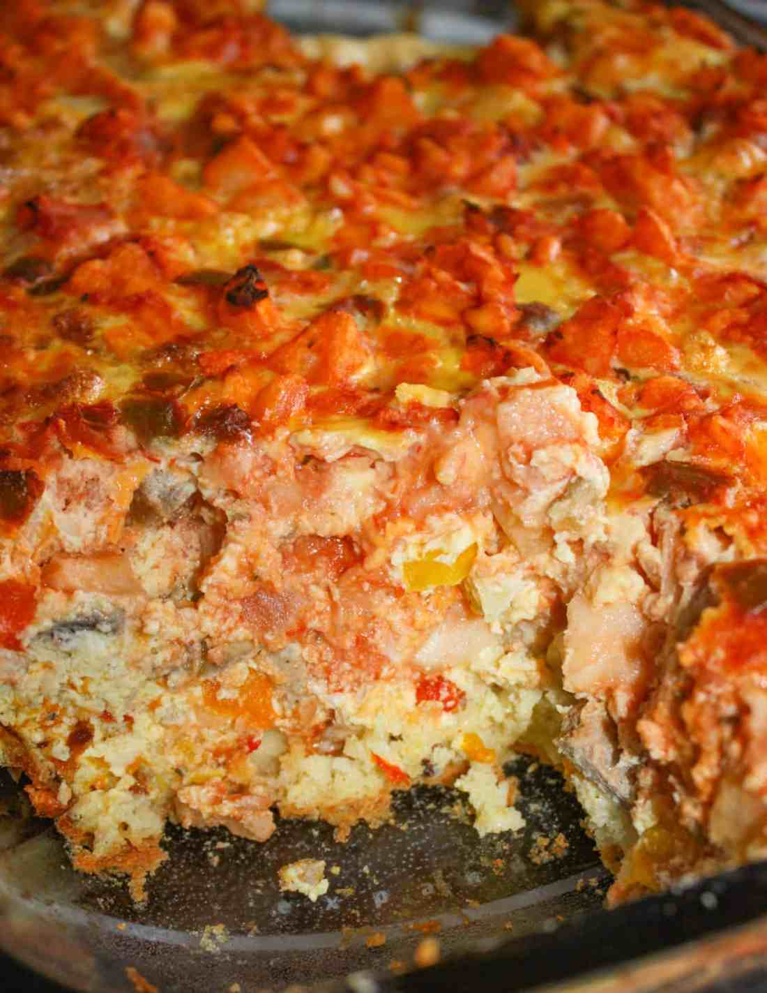 Loaded Breakfast Casserole is a hearty breakfast or brunch option that is loaded with flavour and goodness.  Serve it paired with a fruit salad for a complete meal.
