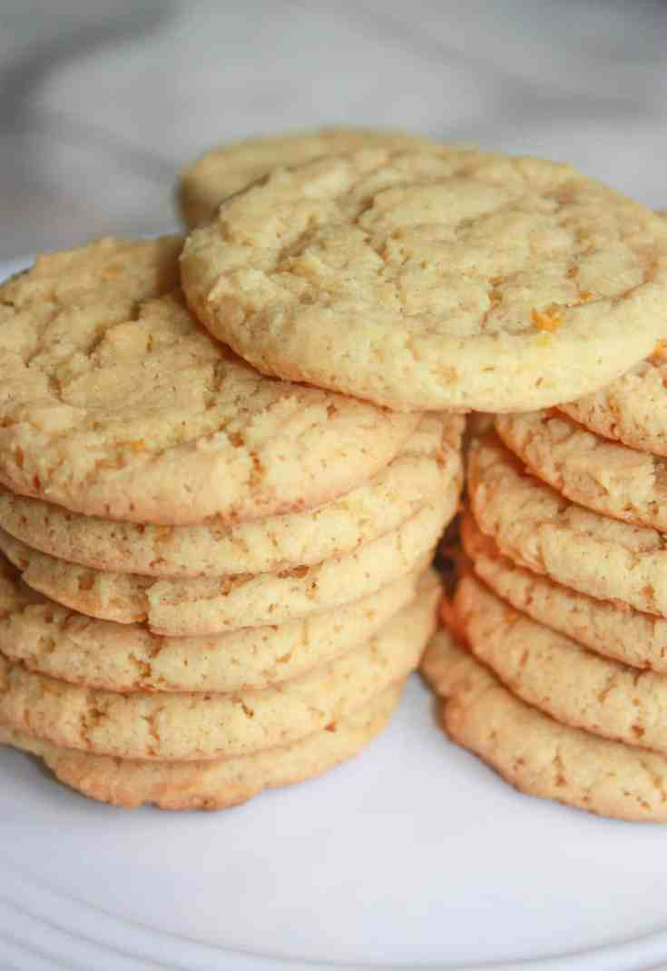As the weather warms up I begin to crave the light taste of citrus flavours. These Gluten Free Lemon Cookies satisfy this craving by providing a burst of lemon in every chewy bite.