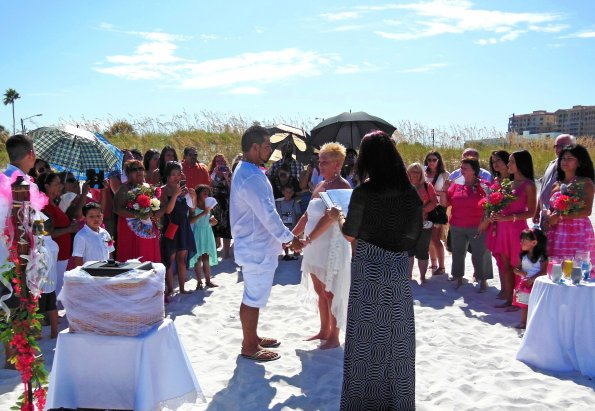 Kissing Fish Affordable Casual Wedding Ceremonies And