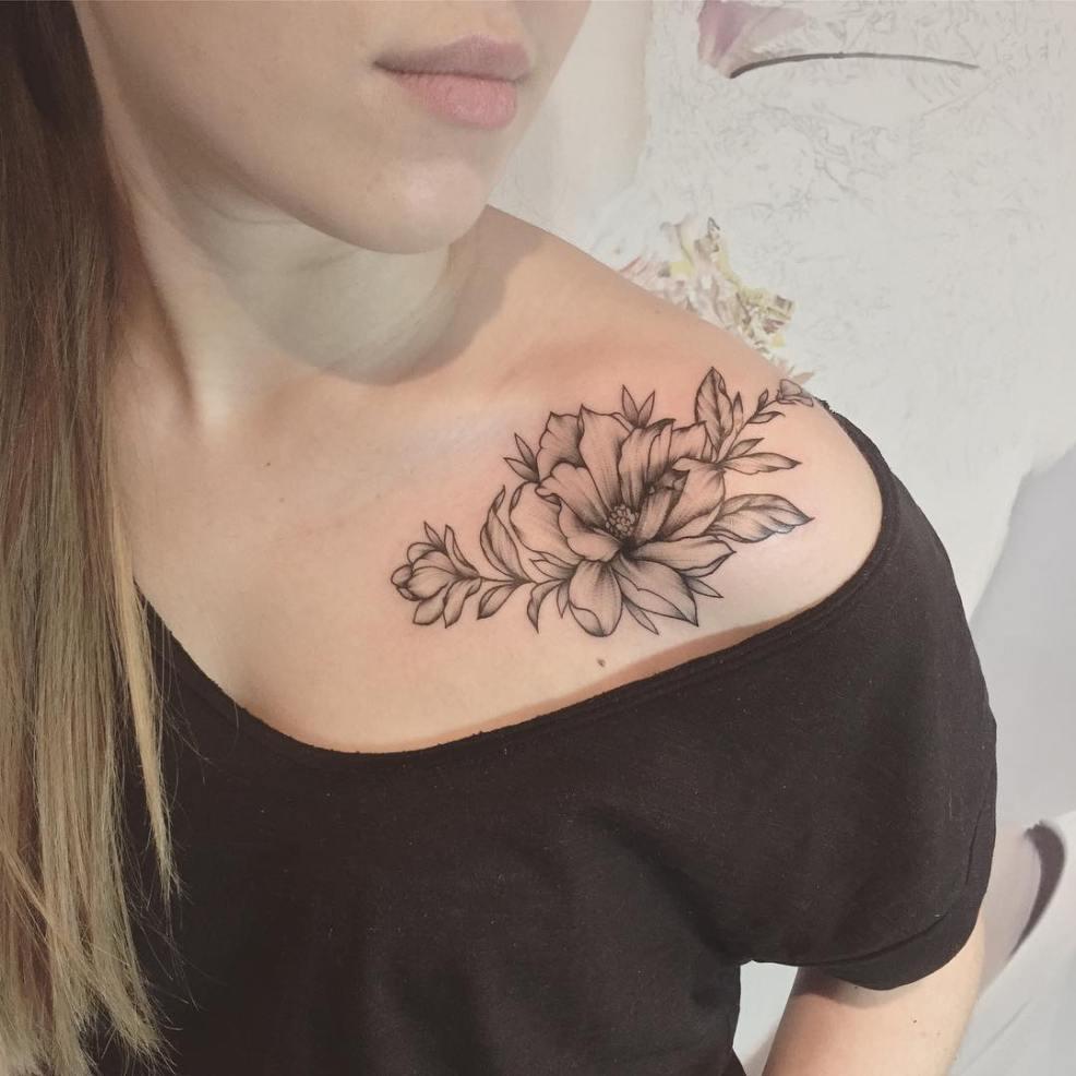 фото татуировки магнолии на ключице девушки фото рисунки эскизы