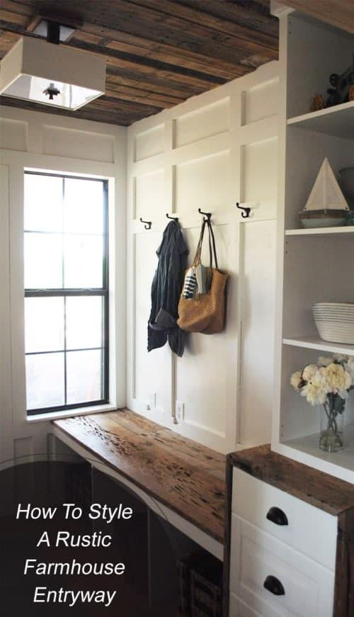 How To Style A Rustic Farmhouse Entryway #homedecor #home #interiordesign #rusticfarmhouse #rustic #farmhouse #fixerupper #entryway