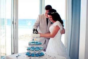 currumbin vikings wedding photographer olivia jayden kiss the groom-1107