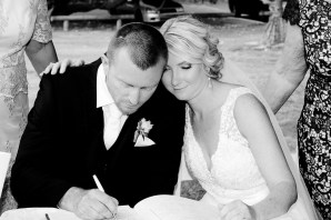 burleigh-heads-wedding-libby-wayne-kiss-the-groom-photography-0506