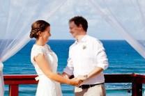 pat-fagan-park-kirra-beach-wedding-kiss-the-groom-photography-0521