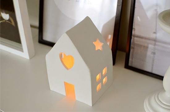Bir ev şeklinde şamdan