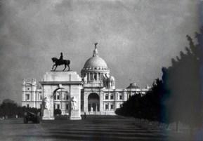 Victoria_Memorial,_Calcutta_-_LIFE (1)