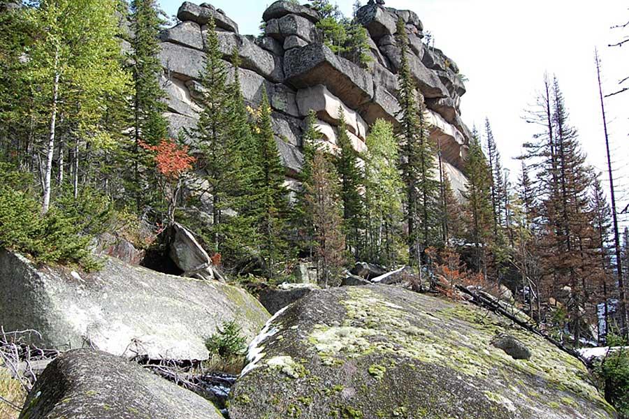 Ditemukan Reruntuhan Megalitik Russia, Berisi Blok-blok Batu Terbesar di Dunia