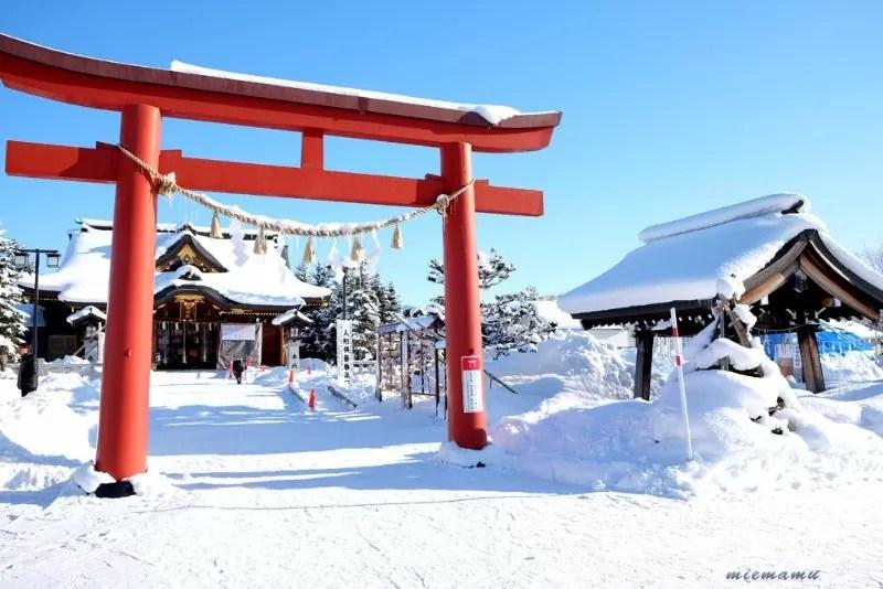 雪景色の美瑛神社