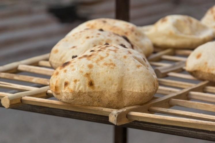 طريقة عمل الخبز البلدي المنزلي - معجنات - وصفات الخبز -