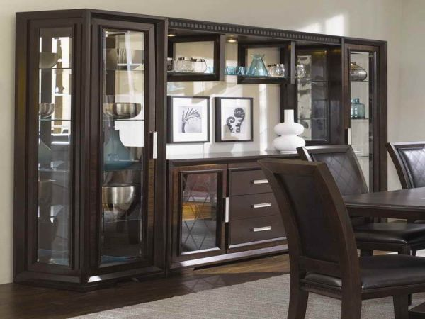 Arranging a china cabinet 5