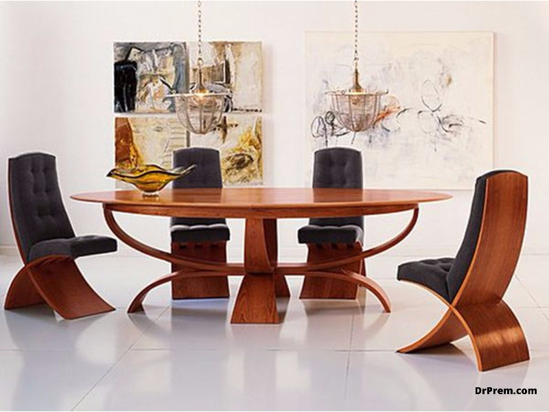 The leaf-shaped oval dining table