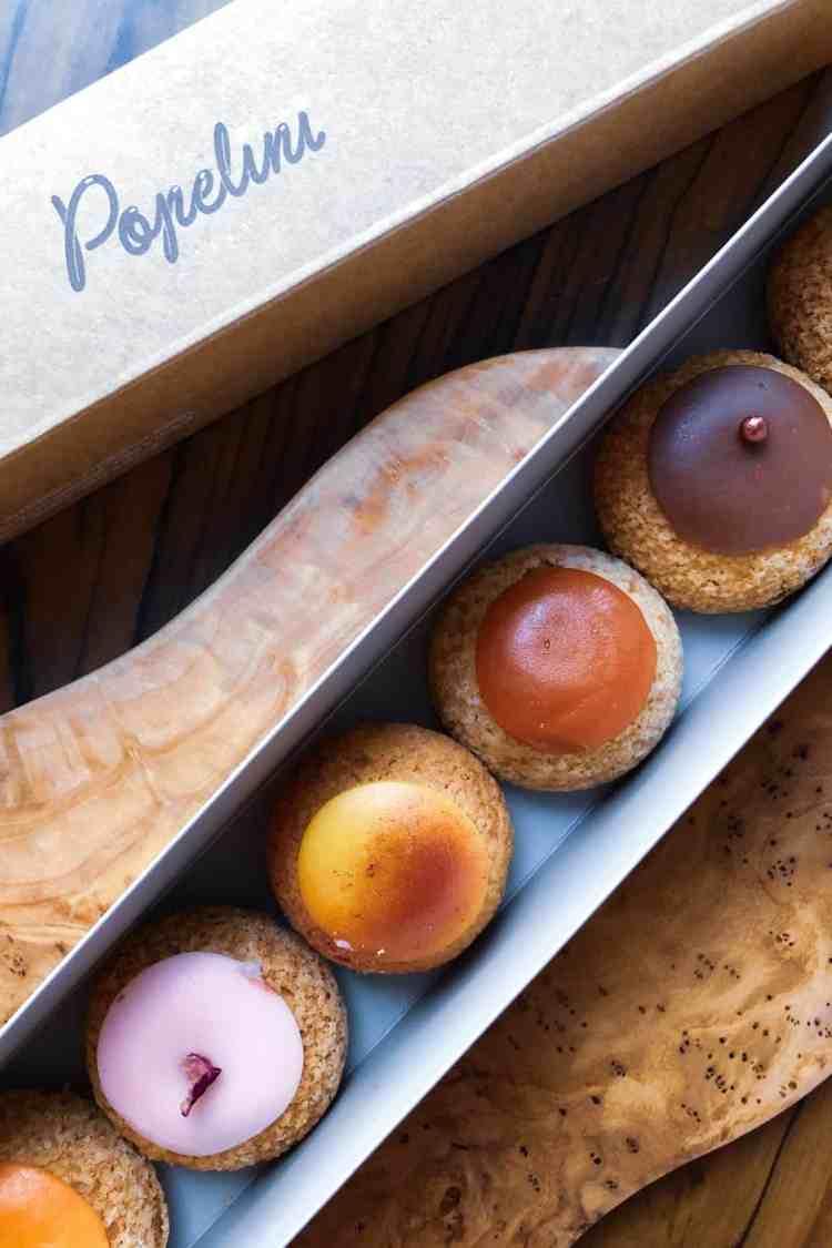 Cream puffs from Popellini