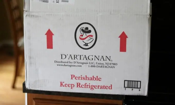 A photo of the D'Artagnan overnight shipping box