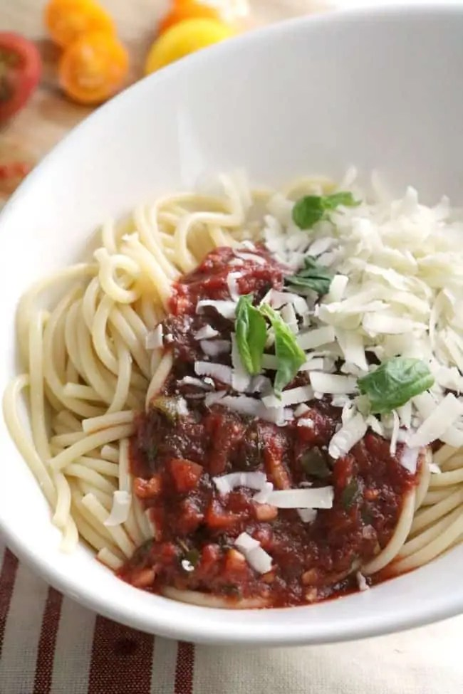 This quick Homemade Pasta Sauce is rich, deliciously seasoned, and yet still easy enough to make any night of the week.