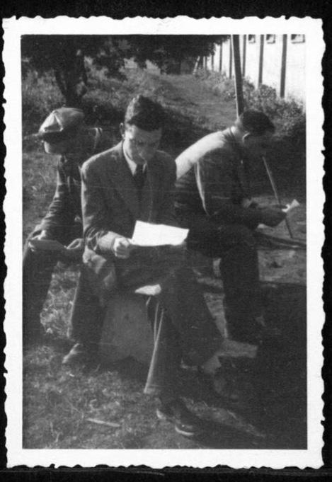 Kitchener camp, Werner Gembicki, Reading letters