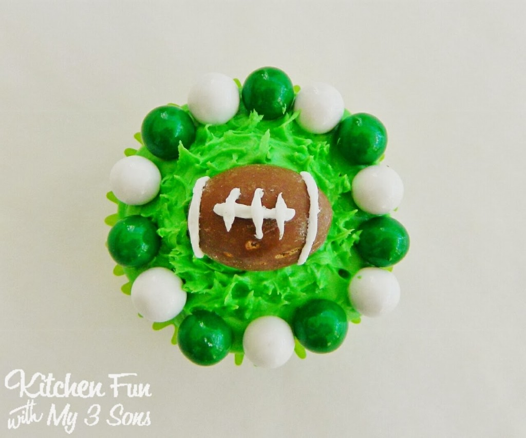 Here is the Seattle Seahawks Cupcake.