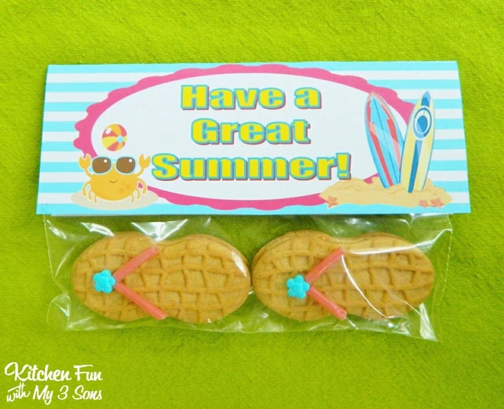 Now you have super cute End of Summer Cookies to hand out to the kids!