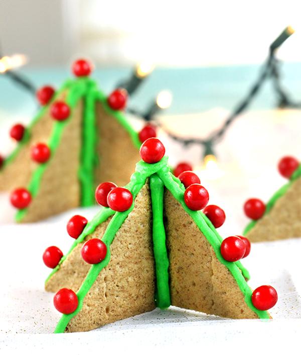Graham Cracker Christmas Trees