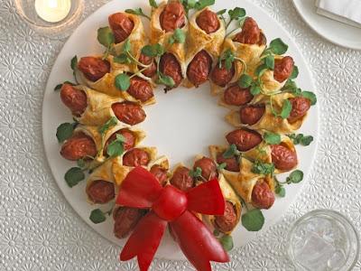 Mini Hot Dog Wreath for Christmas!