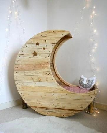 DIY Pallet Moon Baby Crib