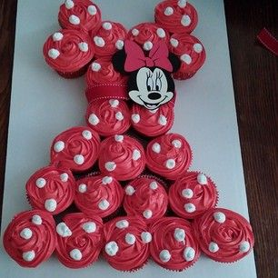 Minnie Mouse Cupcake Pull-Apart Cake