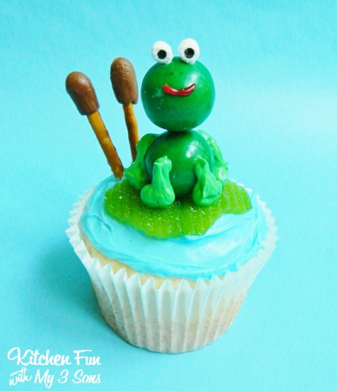 Frog Cupcakes...these are the BEST Cupcake Ideas!