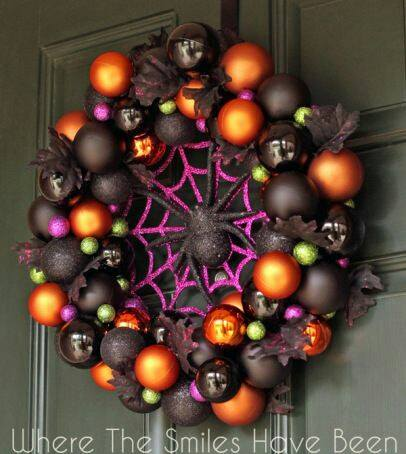Halloween Spider Wreath...these are the BEST Homemade Halloween Decorations & Craft Ideas!
