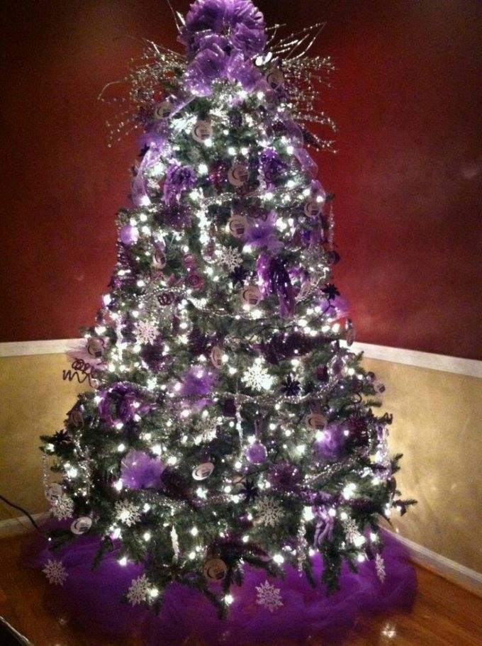 Purple Christmas Tree...these are the BEST Christmas Tree Ideas!