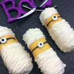 Minion Mummy Twinkies - BEST Halloween Treat ideas!