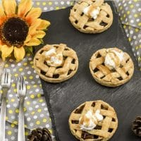 Mason Jar Lid Mini Apple Pies