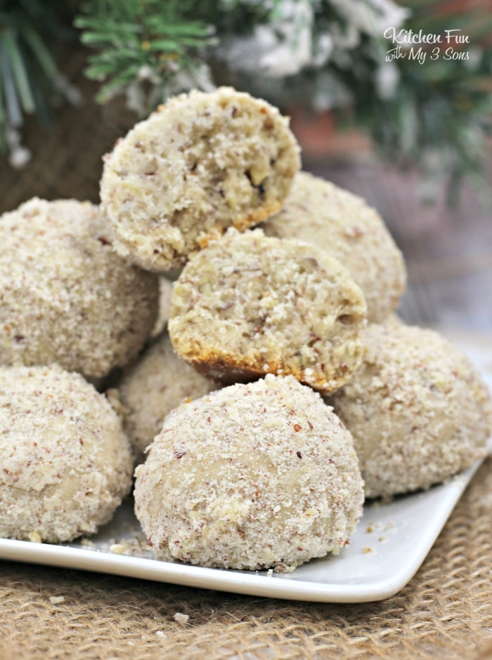 Pecan Ball Cookies   This Christmas cookie recipe is a pecan lovers dream!