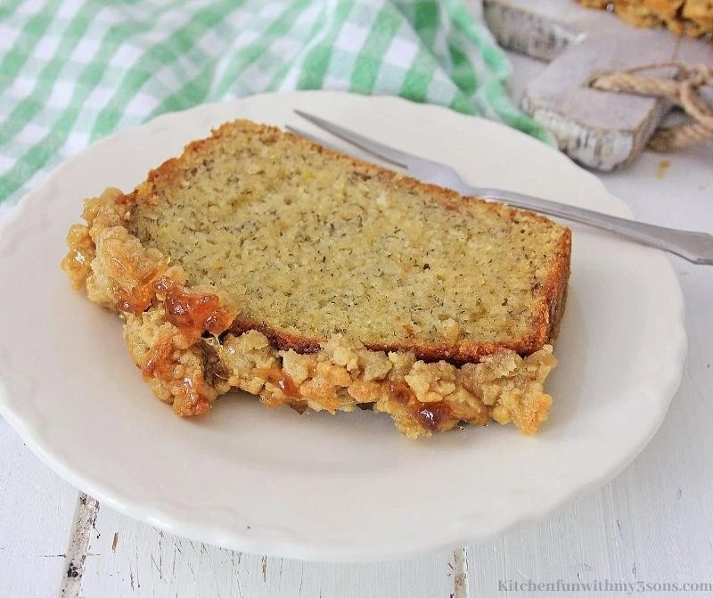 Caramel Apple Banana Bread with Streusel Topping