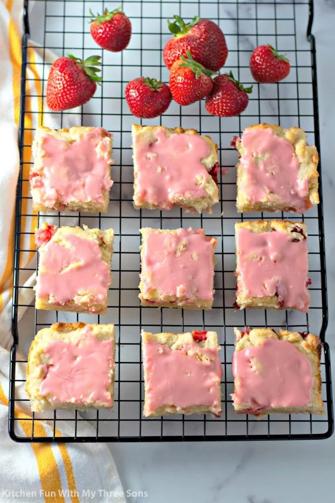 Strawberry Lemon Blondies on a cooling rack