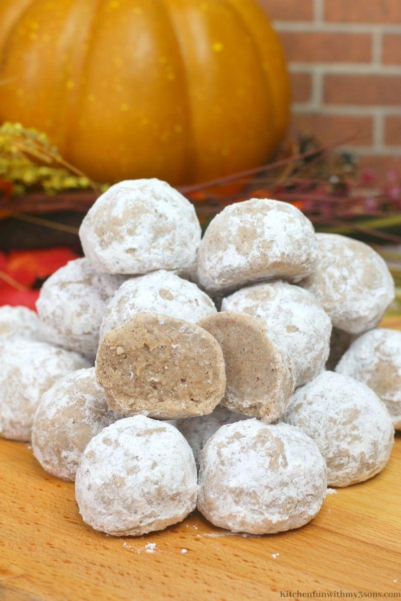 Easy Pumpkin Spice Snowballs Recipe